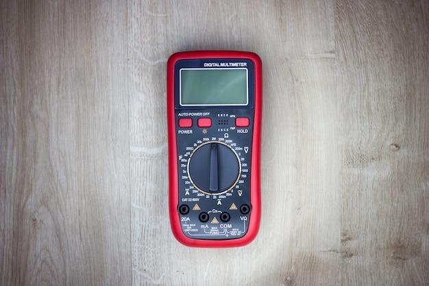 Ac dc 전압 전류 저항 등을 측정하기 위한 lcd가 있는 자동 범위 디지털 멀티미터