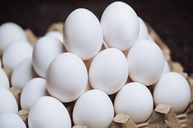 卵の画像。有機村の卵