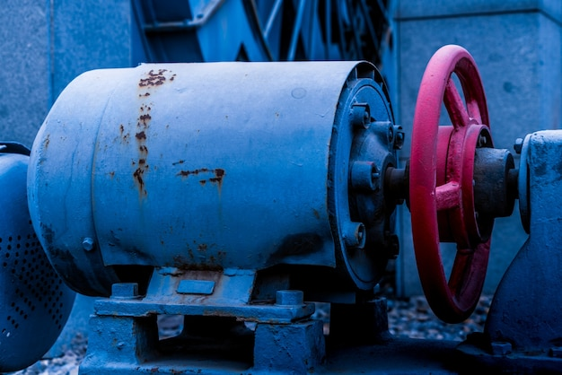 古いマシン。モータケース。回転する物体