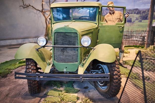 第二次世界大戦の古い軍用車