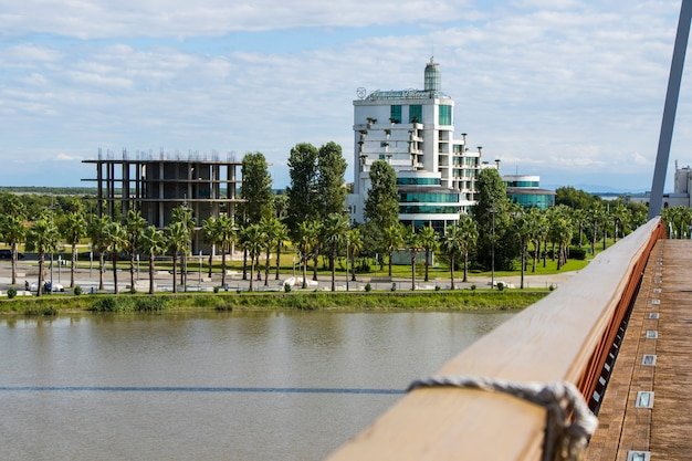Anaklia, georgia - 2021년 9월 28일: anaklia 리조트, 호텔 및 건물, 물과 태양