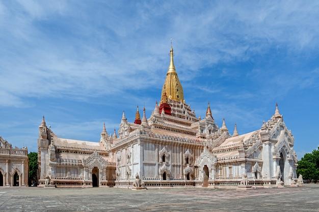Ananda pagoda temple in bagan, myanmar