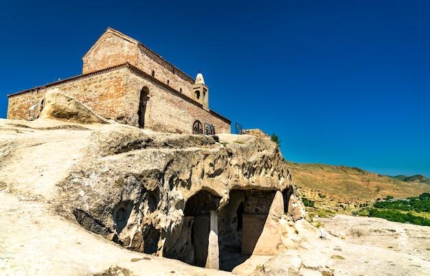 Ancient basilica at uplistsikhe rockhewn town. unesco world heritage in georgia