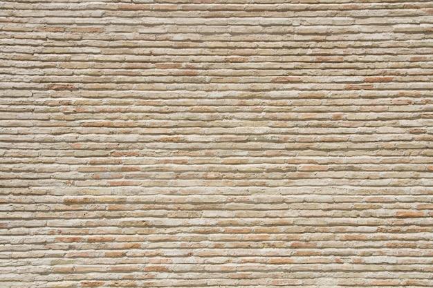 Muro di mattoni antico