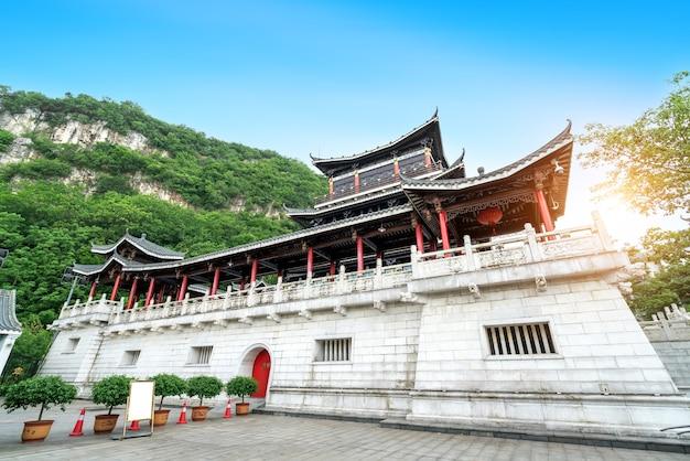 중국 광시 류저우 시의 고대 건물.