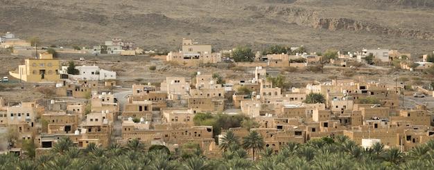 オマーンの古代の家と泥の家