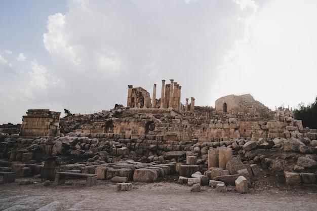 고대 제라쉬 유적, 요르단. jarash의 구시 가지에서 고고학 발굴.