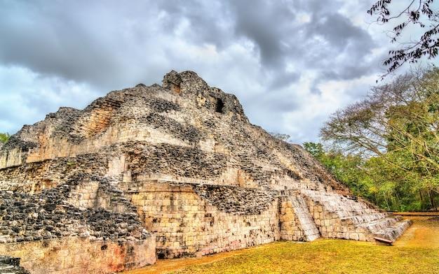 メキシコ、カンペチェのベカン遺跡にある古代マヤ遺跡