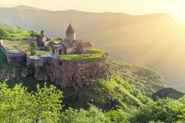 古代の修道院。タテフ。アルメニア