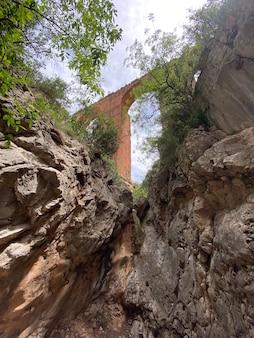 Calles valencia spain의 고대 로마 제국 수로 pea cortada