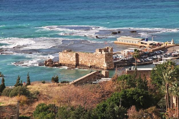 Древние римские руины в городе библ, ливан