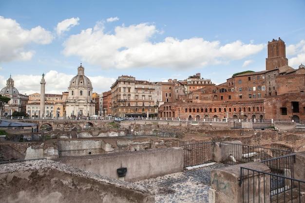 イタリア、ローマの古代ローマ遺跡