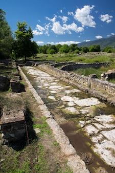 ギリシャ、ディオンの古代遺跡。