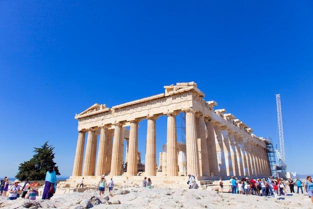 Древний храм в афинах