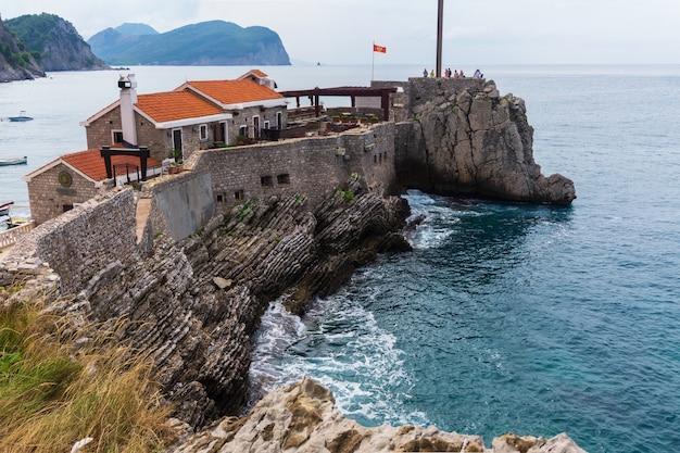 몬테네그로 페트로박 나 모루의 고대 베네치아 요새 카스텔로