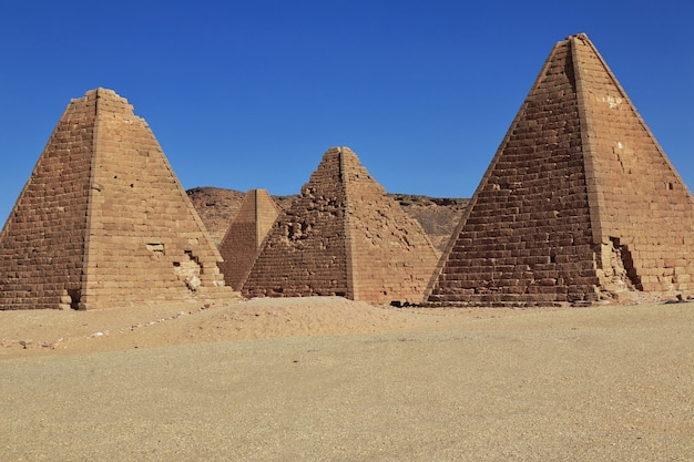 수단 제벨 바르칼의 고대 피라미드