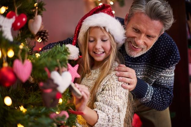 그리고 우리 크리스마스 트리의 또 다른 장식