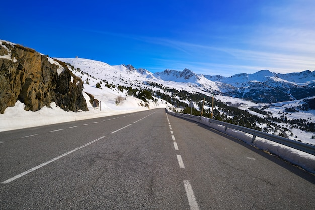 Andorra grandvalira road to pas de la casa