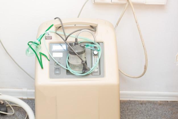 手術中の麻酔器