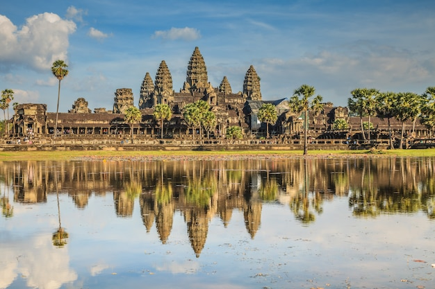 Angkor wat, ancient castle in cambodia