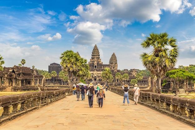 カンボジア、シェムリアップのアンコールワット寺院