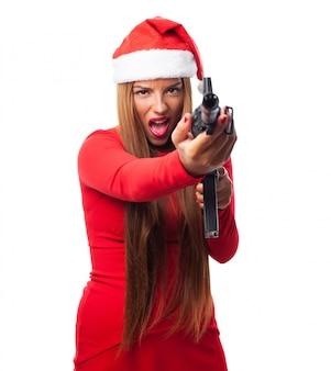 銃で怒っている女性