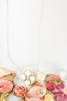 動物性タンパク質源、肉、豚肉、乳製品、チーズ、魚介類