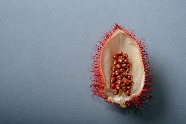 Annatto annatto 씨앗은 천연 식용 색소로 사용됩니다.