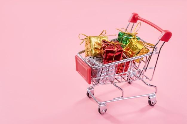 Ежегодная распродажа рождественских покупок
