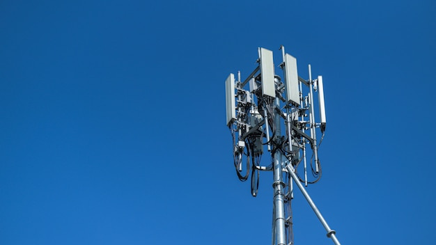 Антенна новой телефонной системы 5 поколения.