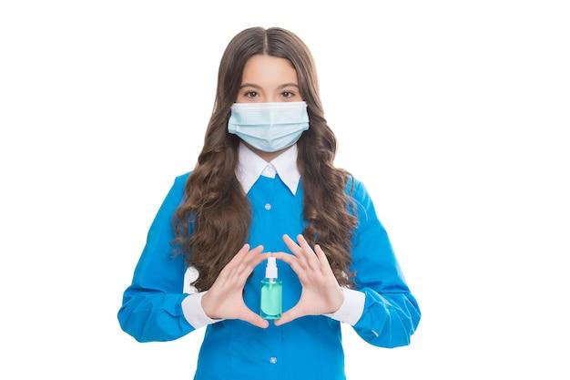 항균 살균 젤. 살균 젤로 손을 씻는다. 간호사 소녀는 알코올 기반 손 씻기 스프레이를 사용합니다. 십대 아이 보유 소독제. 코로나바이러스에 대한 예방 위생 조치.