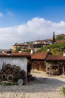 터키 사프란볼루 거리의 골동품 시장