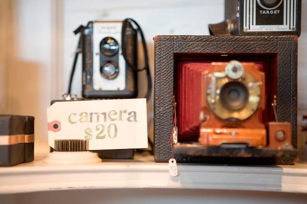 販売のためのアンティークカメラ
