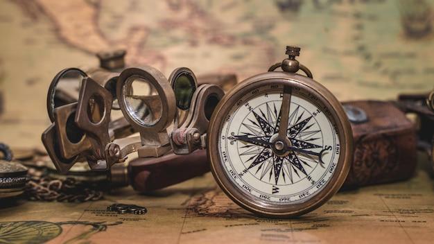 Античный морской компас на карте