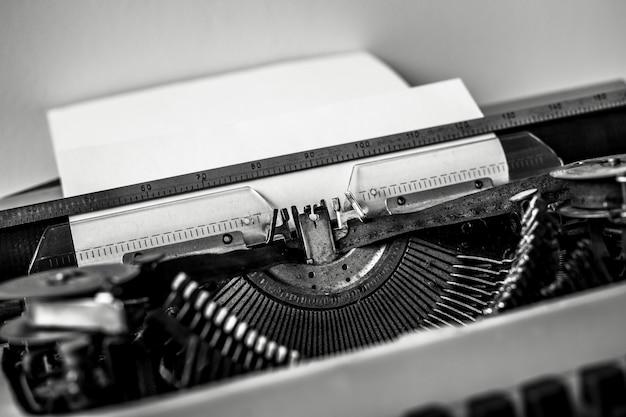 Старинная машинка. винтажная машинка