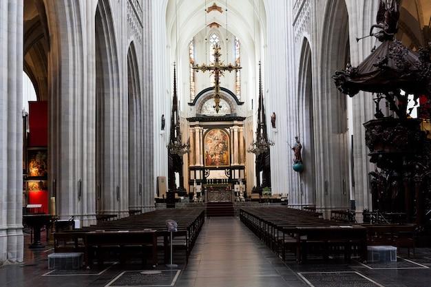 Antwerp, belgium - october 2, 2019: interiors, paintings and details of notre dame d'anvers cathedral in antwerp, flemish region, belgium