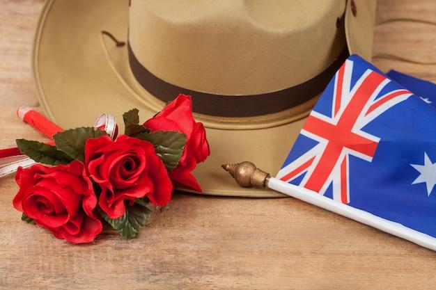 Анзакская армейская сутульная шляпа с австралийским флагом на урожай