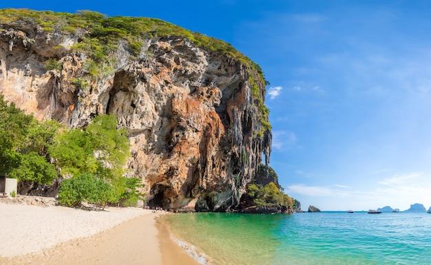 アオプラナンビーチ、クラビ、タイ