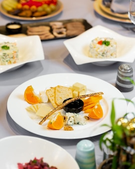 Aperitive plate with mixed aperitives