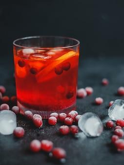 Aperol spritz со льдом и клюквой