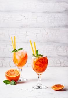 Aperol spritz, итальянский коктейль с апельсином