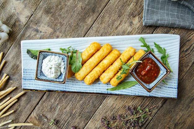 전채 간식 튀김 치즈 스틱 소스