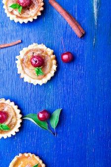 Apple caramel little tarts.