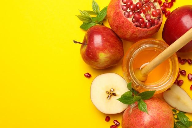 노란색, 평면도에 사과, 꿀, 석류