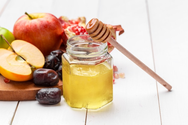 Apple and honey, traditional food of jewish new year
