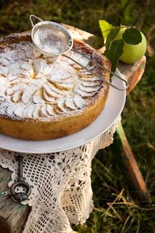 Apple pie with cream filling