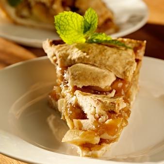 Яблочный пирог с мятой.