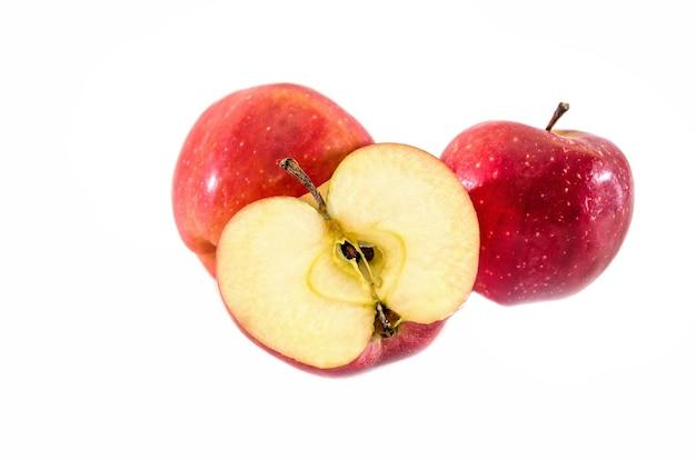 흰색 바탕에 사과