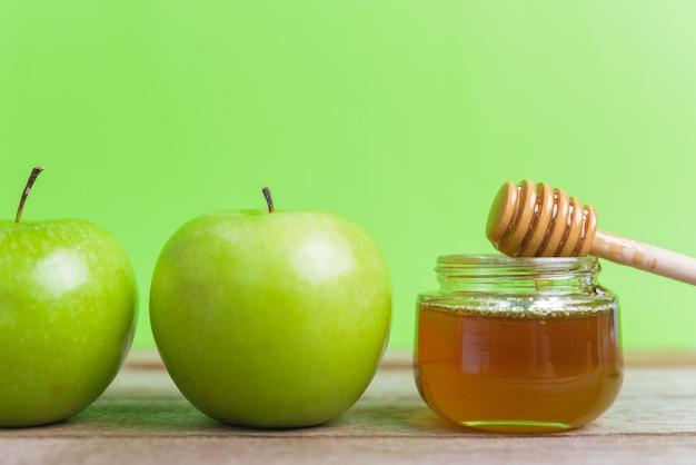Яблоки день рош ха-шана