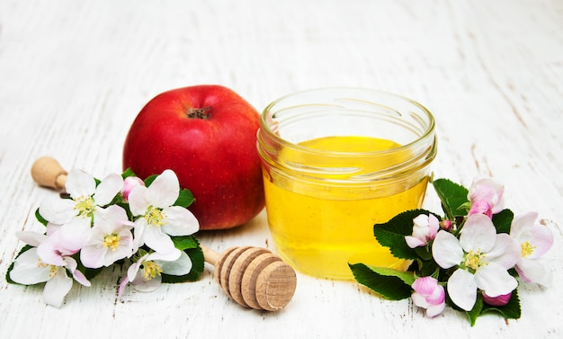 Apples with honey